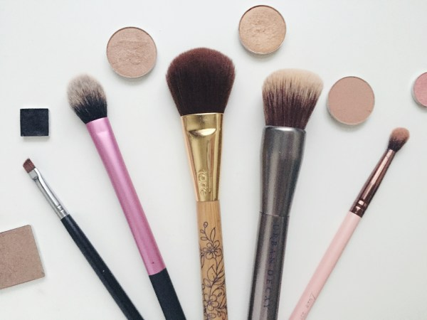 Top 5 Makeup Brushes | Born To Be Bright