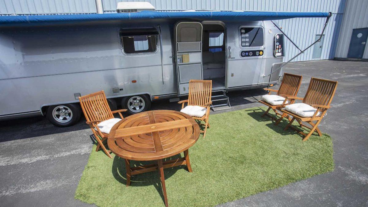 tom hanks 1992 airstream trailer outdoor dining