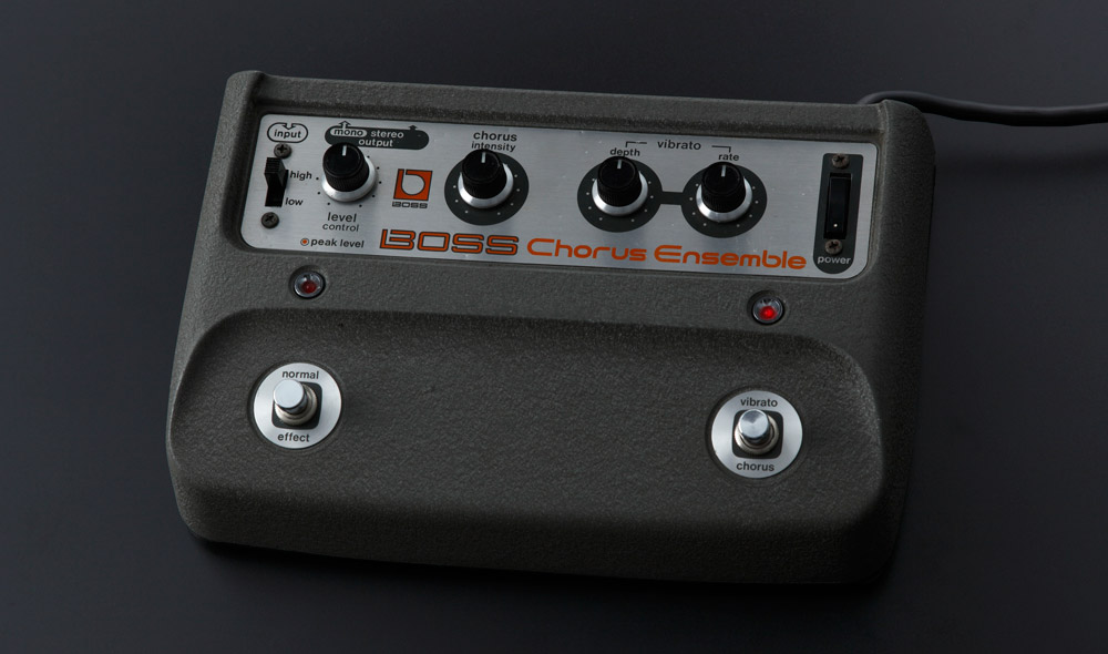 The CE-2W Chorus reproduces the CE-1 Chorus Ensemble sound