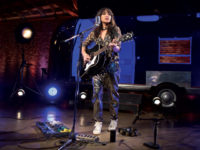 KT Tunstall and the VE-8 Acoustic Singer