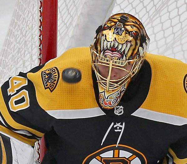Tuukka Rask makes it an easy night for the Bruins