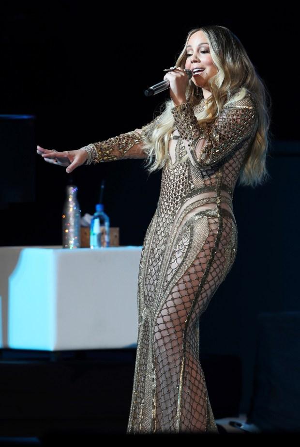 Mariah Carey New Years 2020.Cher Celine Mariah Bring Diva Magic To Boston