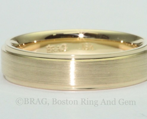 Men's Gold Traditional Wedding Band