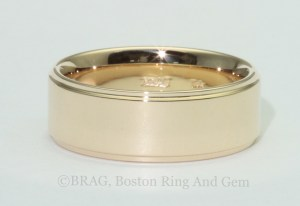 14k Yellow Gold 7mm Wide Men's Wedding Ring