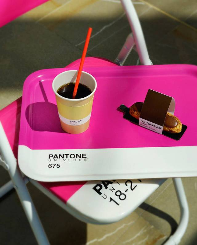 pantone-cafe-09