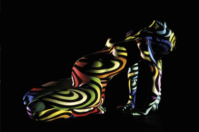 dani-olivier-corpos-nus-projecao-luz-06