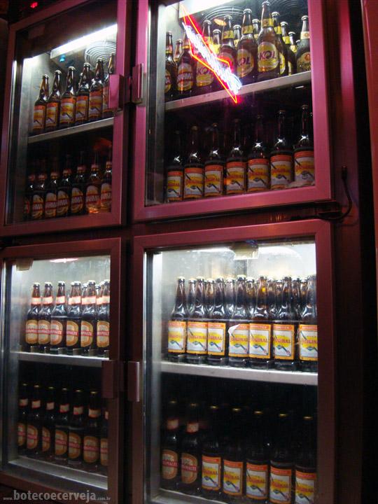 Dedo de Moça: Freezer Cervejas.