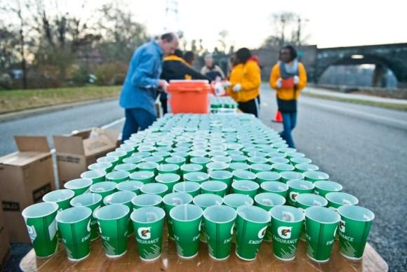 Hard working volunteers! (c) 2014 GORE-TEX® Philadelphia Marathon