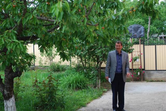 Un primar din România dă gratuit case şi locuri de muncă celor care vor să se mute la el în comună