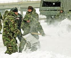militari iarna la deszapezire