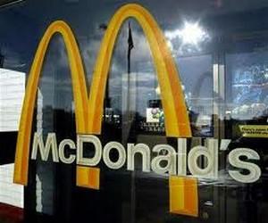 Protectia Consumatorului a amendat McDonalds cu 10.000 lei pentru practici comerciale incorecte