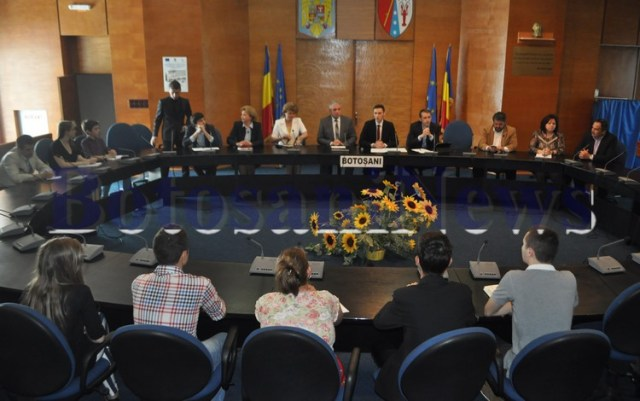 intrunire Consiliul Elevilor- autoritati din Botosani