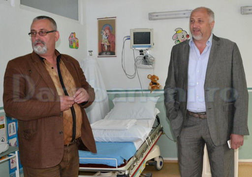 Costel Soptica a donat paturi la Spitalul Darabani