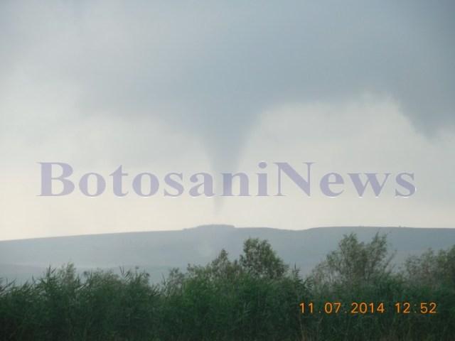 tornada de la Hanesti, surprinsa de un fotograf amator- Botosani