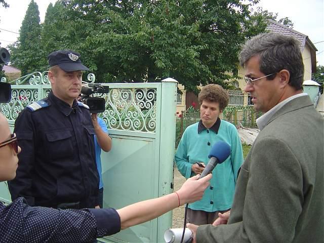batrana evacuata din casa la Botosani