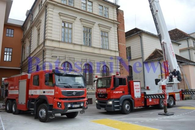 masini pompieri la colegiul at laurian Botosani