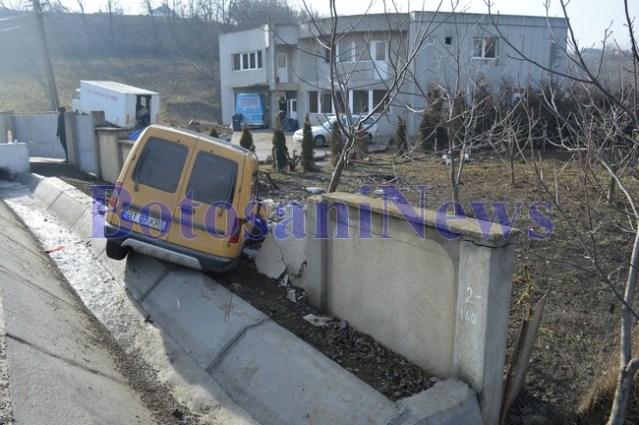 masina izbita in zid la Curtesti- Botosani