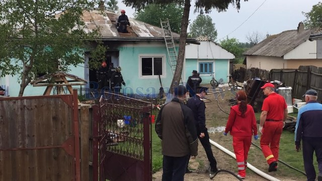 incendiu casa- pompieri - flamanzi- Botosani