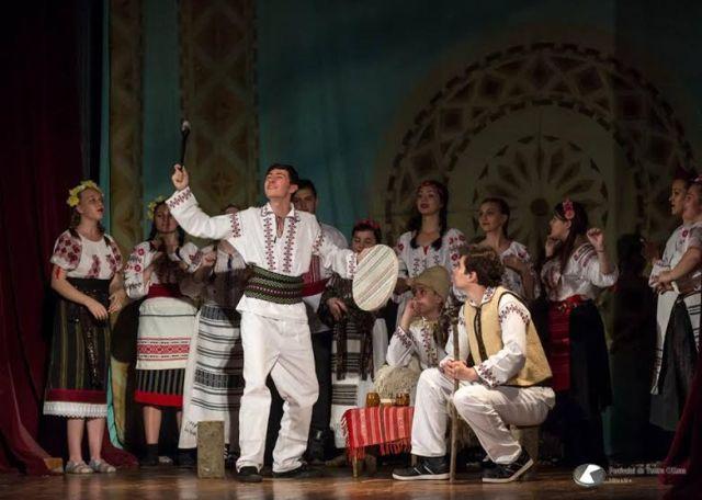 trupa de teatru a Liceului pedagogic -Botosani