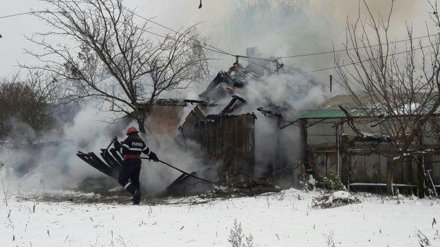 incendiu, casa, stiri, pompieri, botosani