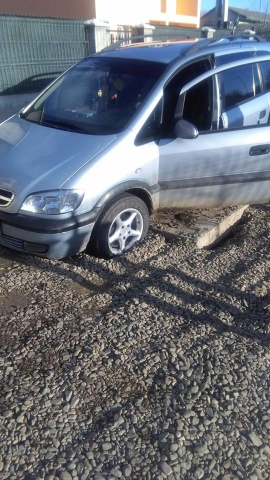 masina-avariata-pe-strada-cornului-botosani