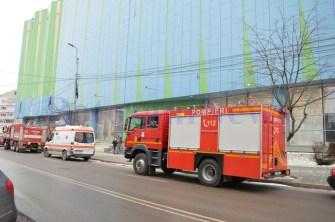 masini-pompieri-politie-la-mall