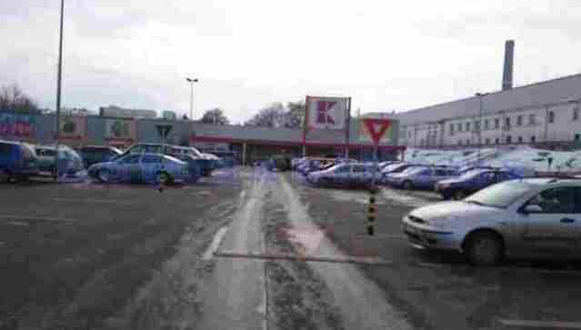 parcare kaufland botosani- indicatoare