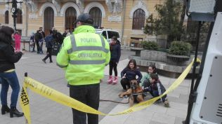 caine la ziua politiei- expozitie pe Pietonalul Unirii Botosani