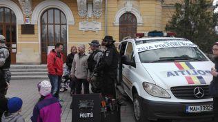 ziua politiei- expozitie pe Pietonalul Unirii- Botosani