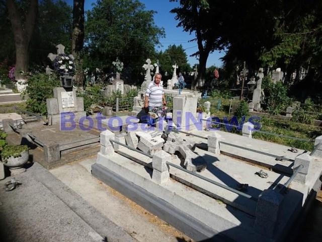 morminte distruse in Cimitirul Pacea Botosani