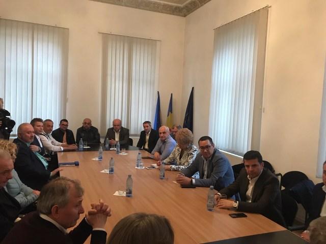intalnire oameni de afaceri din Botosani la Camera de Comert cu liderul Pro Romania, Victor Ponta