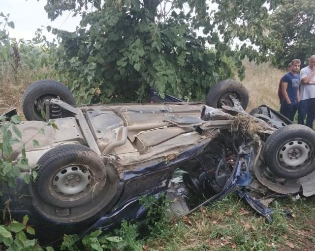 accident cu masina rasturnata in satul Cuza Voda din comuna Viisoara- Botosani (1)