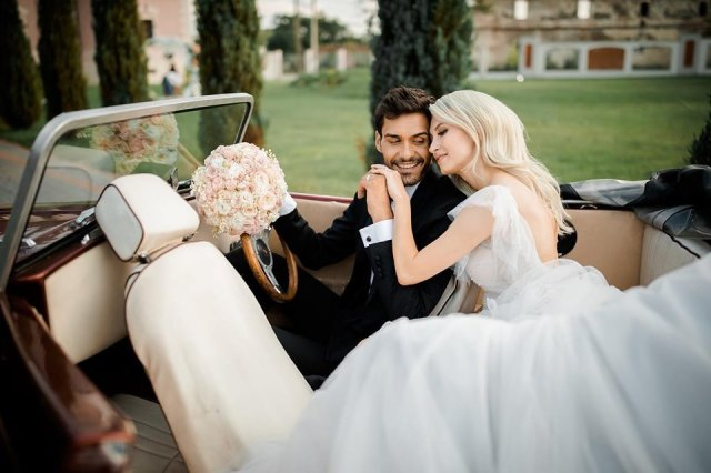 Femeia Maliana Cauta? i nunta)