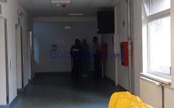 stiri, botosani, politie pe holul spitalului din Botosani (5)