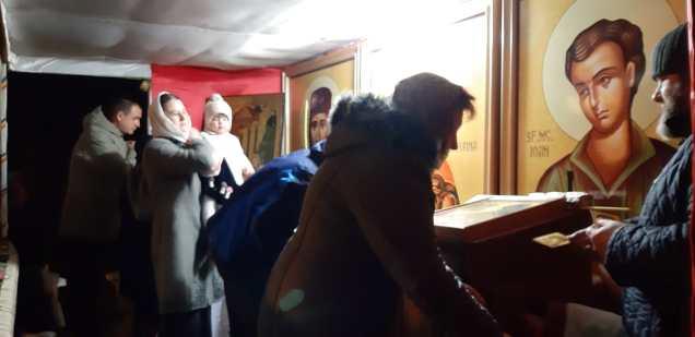 Slujba cu sobor de preoti la Biserica Vovidenia din Botosani (1)