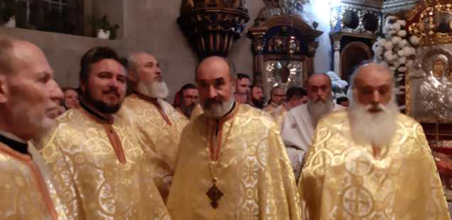Slujba cu sobor de preoti la Biserica Vovidenia din Botosani (9)