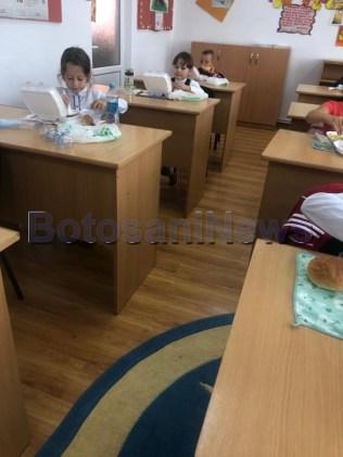 mancare in sistem catering pentru elevii din Draguseni, stiri, botosani (2)