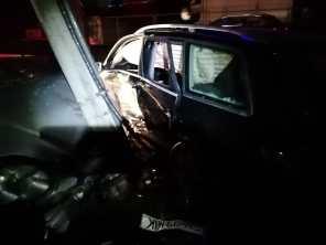 stiri, accident, masina in stalp (7)