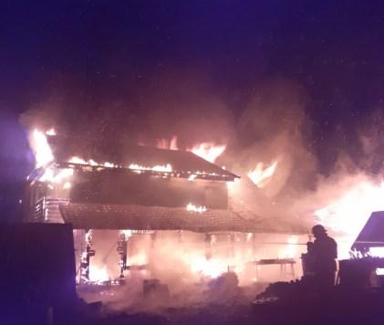 incendiu casa la Bodeasa- Saveni- Botosani (5)