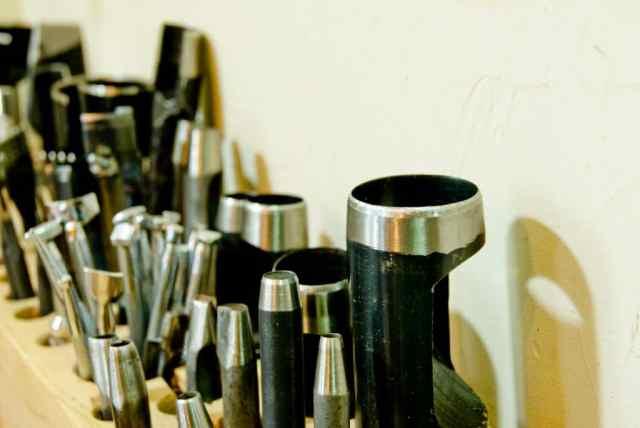 革製品を仕立てる道具 穴あけ