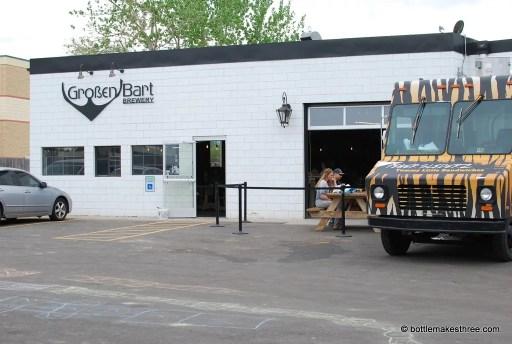 Review of Großen Bart Brewery in Longmont, CO | https://www.bottlemakesthree.com