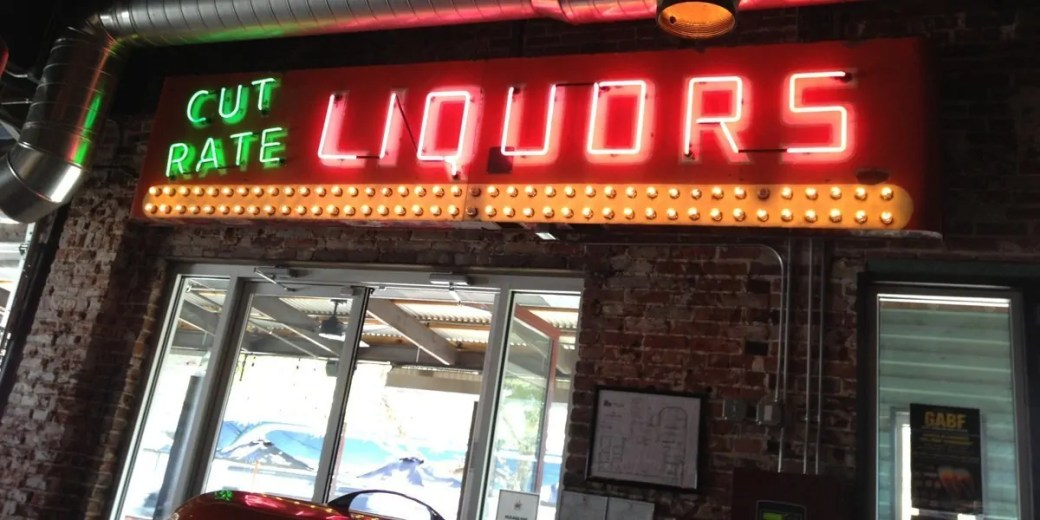 How will independent liquor stores be affected by Colorado's new beer laws?