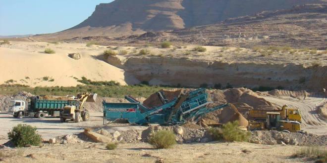 ظاهرة نهب الرمال تفقد المدينة بريقها والسلطات تلتزم الصمت