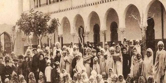 """مدرسة سيدي ثامر """"شالون سابقا"""" المحطة التاريخية الهامة  ببوسعادة"""