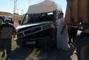 حادث مرور بين حافلة وشاحنة  على طريق بوسعادة وسيدي عامر ..