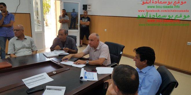 مدراء قطاع المياه والرى يجتمعون مع مواطنى بوسعادة والسلطات المحلية ويرفعون أنشغالاتهم للوالى