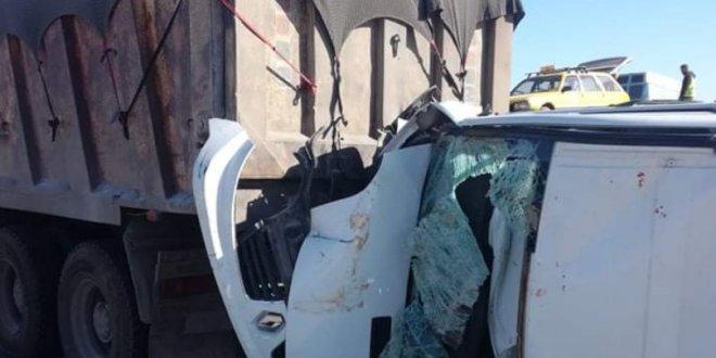 وفاة امرأتين اثر حادث مرور مميت في اصطدام بين سيارة عائلية و شاحنة