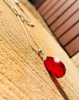 Collier goutte cristal rouge «Ysée»