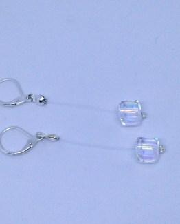 Boucles d'oreilles brillantes cubes suspendus - petit budget