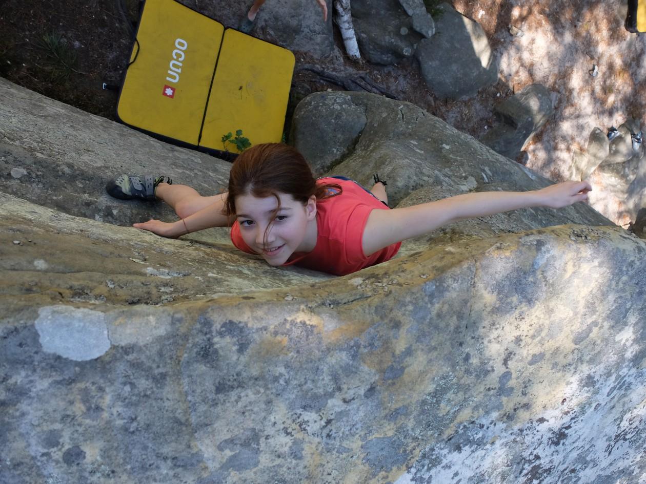Mareike von den Boulderwelt Youngsters berichtet von ihrem Felsausflug nach Fontainebleau und ihren neuen Erfahrungen